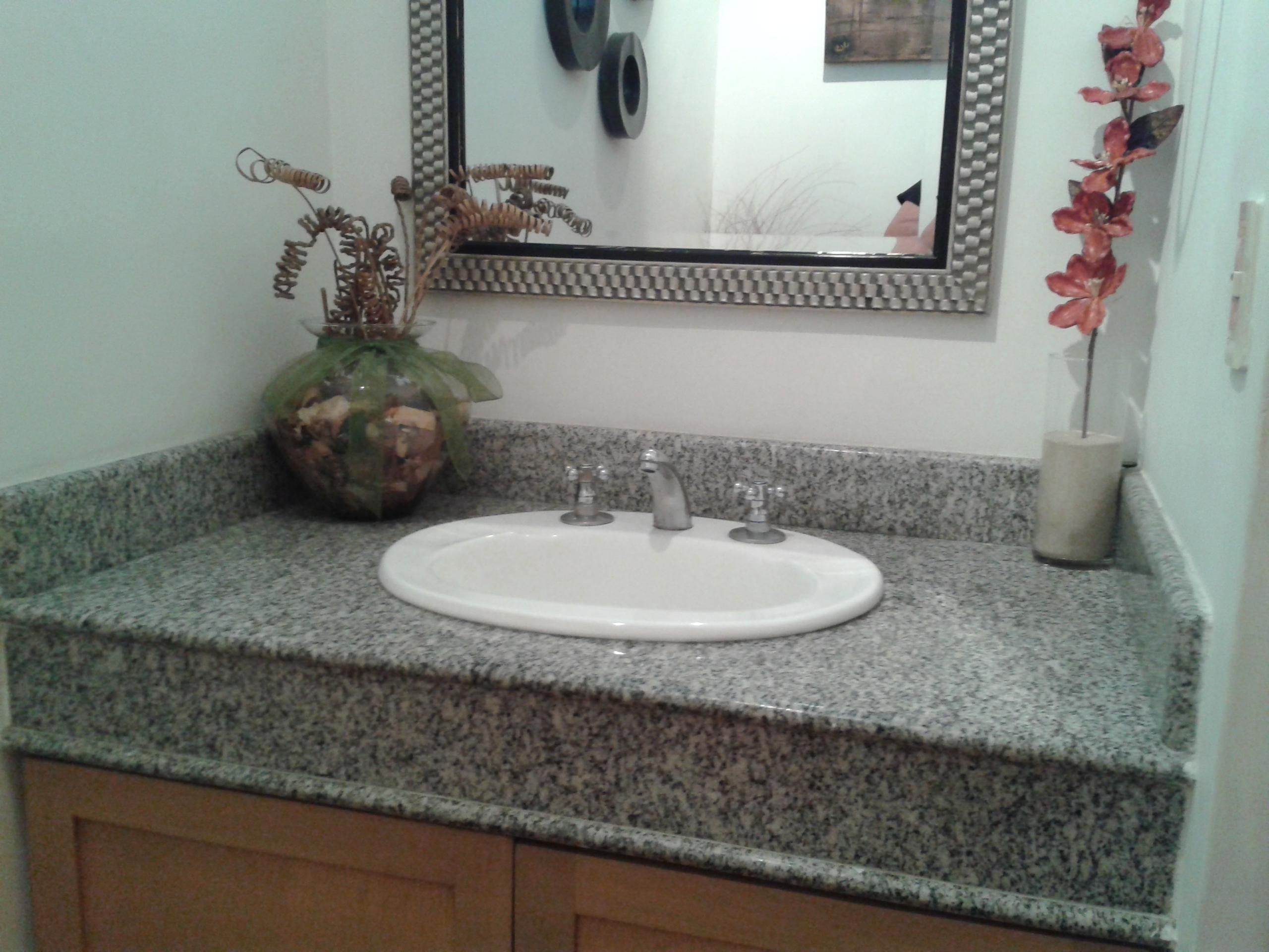 Lavabos de granito pulida encimeras con lavabo diseo for Lavabos de marmol y granito